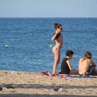 Beach Voyeur:More Sun On The Beach