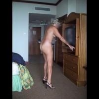 Topless Amateur:Milf