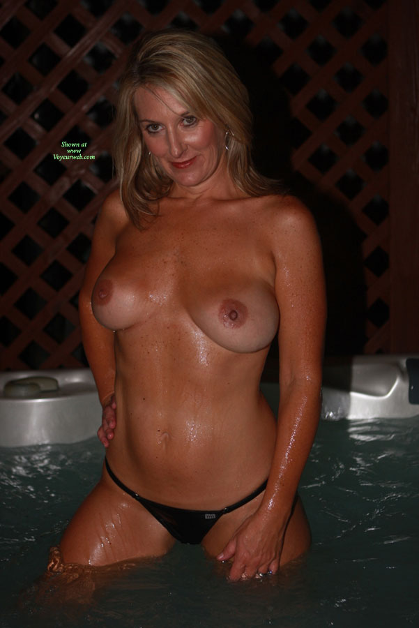 Pic #5 - Nude Wife: Hot Tub Hottie