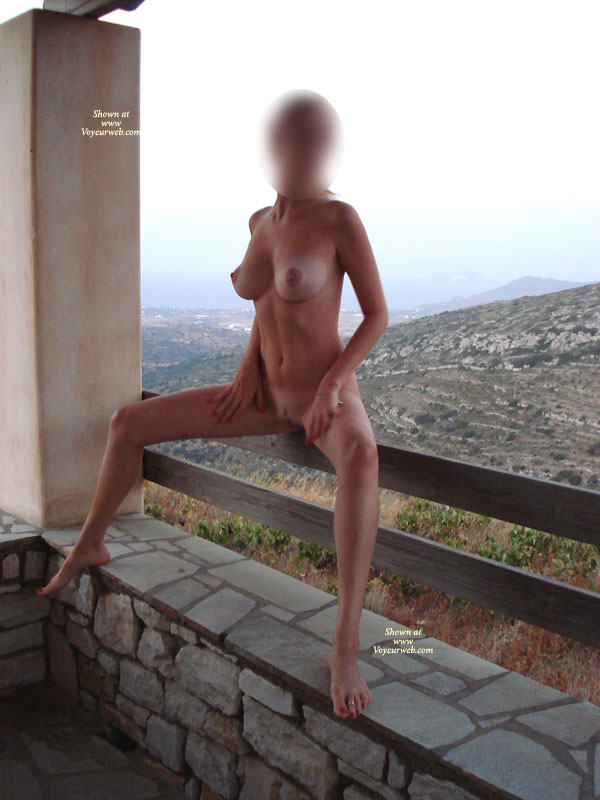 Nude Girlfriend Greetings From Sunny Greece Preview -1028