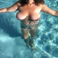Nude Wife:My Wife's Tits