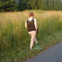 Nude Wife:Just Taking A Walk