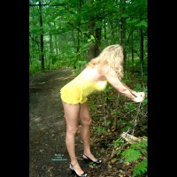 Nude Amateur on heels:*NS Fun In The Woods