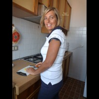 Nude Wife on heels: *FD Paola In Cucina Paola In The Kitchen