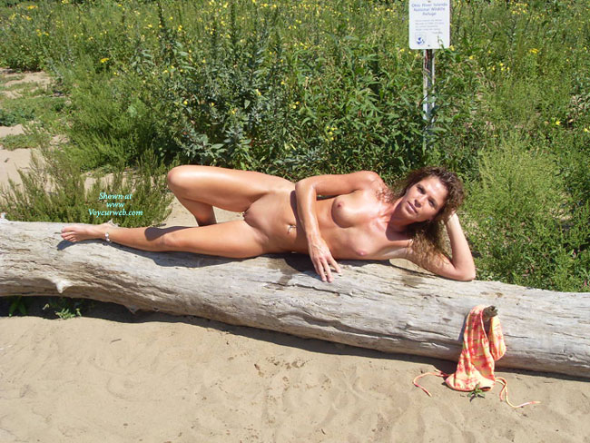 linsey shaw in bikini