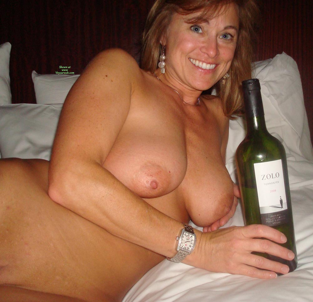 nothing like a naked girl and a bottle of wine