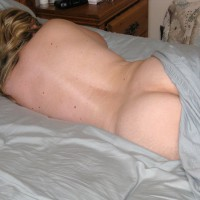 Nude Wife:Lounging In Bed
