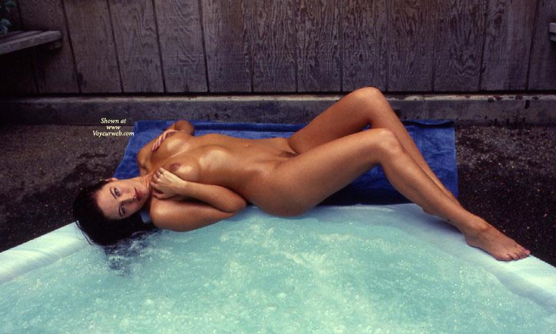 Hot wet nude amatuer