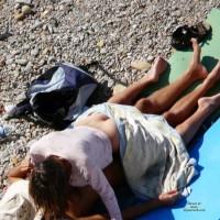 Beach Voyeur:Sex And Pee On Beach