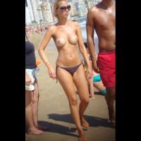 Beach Voyeur:Top Less Holiday