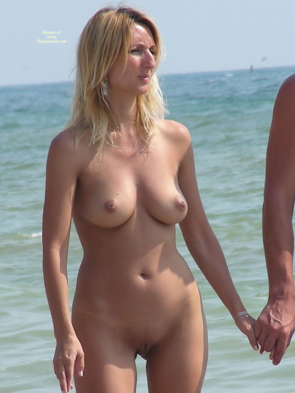 Beach Voyeur Beach Blonde - October, 2010 - Voyeur Web-9494