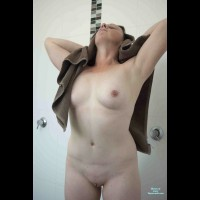 Nude Amateur:Hot Wet And Steamy