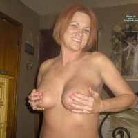 Nude Wife: *HB Hb Red's Handbra Entry