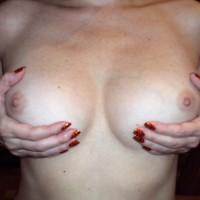 Topless Wife:Hand Bra