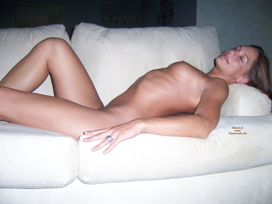 Pic #3 Nude Ex-Girlfriend: She Loves To Show It Off
