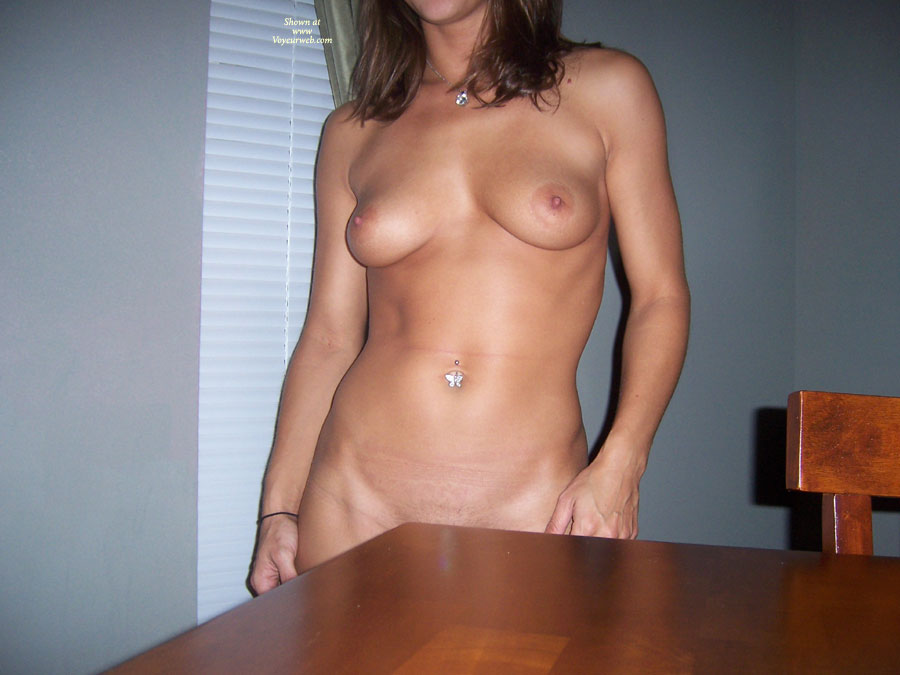 Pic #4 Nude Ex-Girlfriend: She Loves To Show It Off