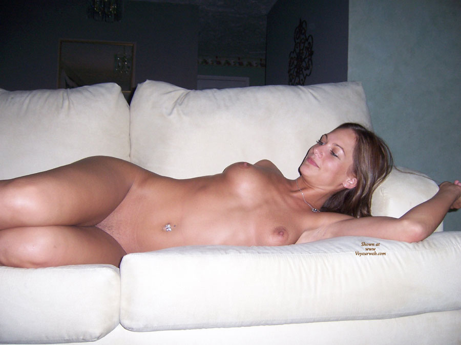 Pic #8 Nude Ex-Girlfriend: She Loves To Show It Off