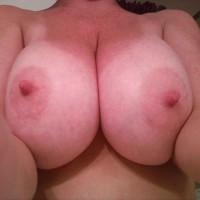 Topless Amateur:Having Fun!