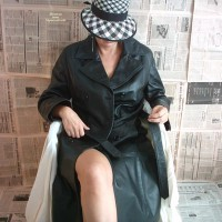 Girlfriend in Lingerie:Leather