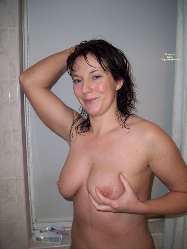 Asian girl gets naked massage