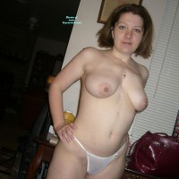 Topless Amateur:Hello