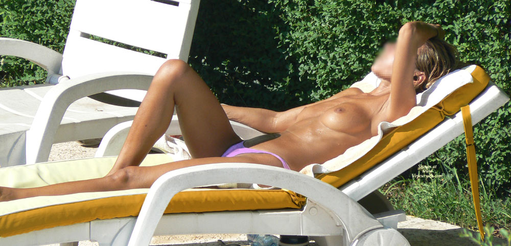 Sex stories of neighbour wife sunbathing topless
