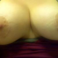 Topless Wife:Wife
