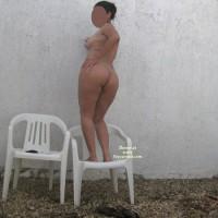 Nude Amateur:Backyard