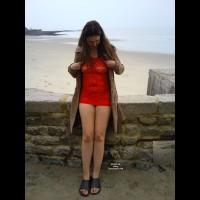 Nude Amateur:Little Red Dress