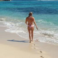 Topless Amateur:Caribbean Play