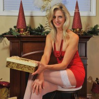 Nude Me: *XM Sinsation - Holiday Wishes