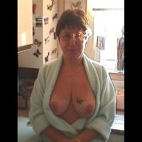 Topless Friend:Mature Chat Room Friend