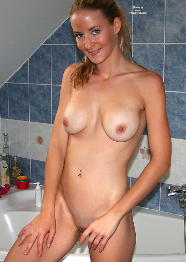 Naked pretty girl in the shower