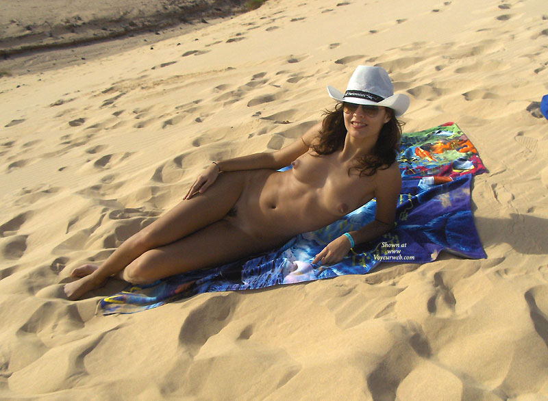Pic #1 - Nude In The Beach , Hot Holidays