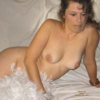 Pauline_white Feathers