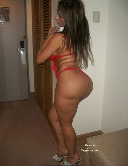 Pic #1 - Isa Bunda XXII Rojo , ISA BIG ASS IN RED