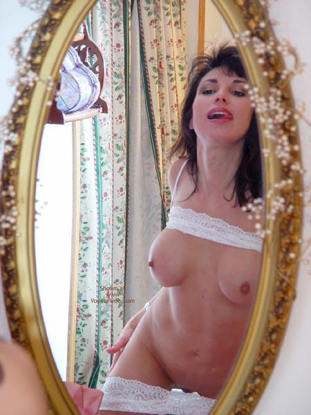 Pic #9 - Lana Gets Naked