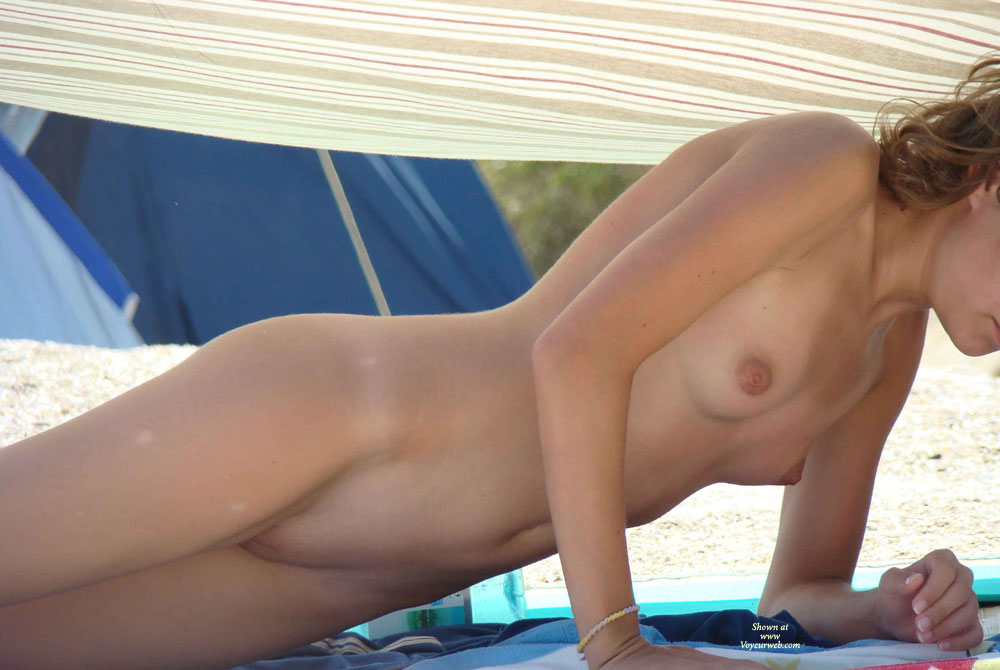 Pic #9 - Sexy Teen On The Beach... Nice Pics
