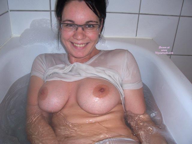 Pic #1 - Bathtub - Brunette Hair, Glasses, Huge Tits , Bathtub, Large Boobs, Brunette, In Bath, Looking Straight At Camera, Wet T Shirt, Glasses, Big Boobs