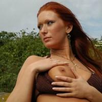 Flashing One Tit - Bra, Redhead