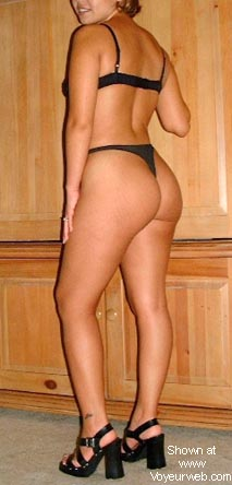 Pic #2 - Wifes Nice Ass