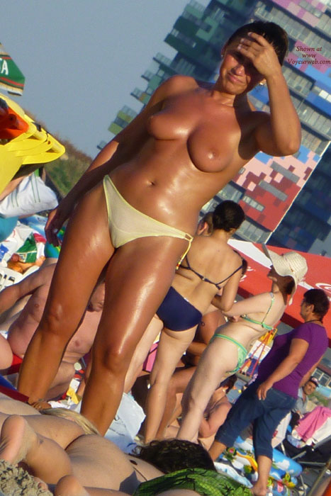 Pic #1 - Funny Moments On Beach - 2 , Cameltoes All Over Romanian Seaside!