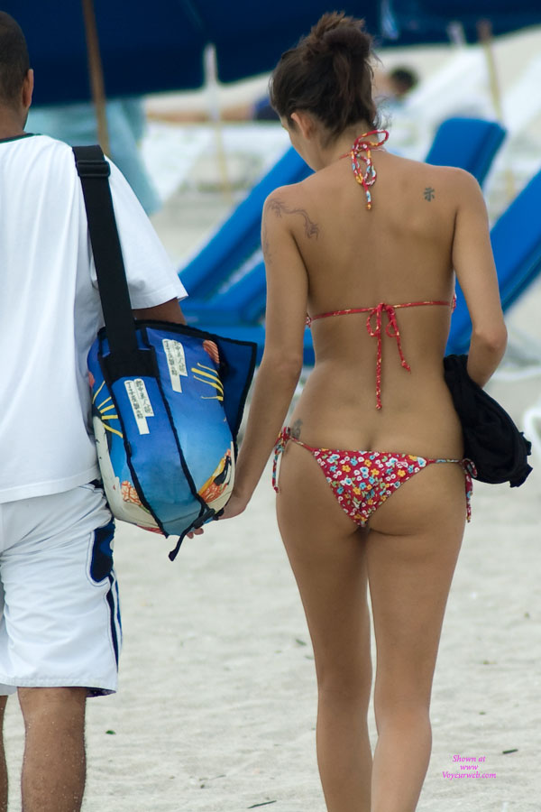 Pic #1 - South Beach Part 1 , I Was In Miami In 2006. I Had Never Been There Before And Was Amazed At The Sheer Number Of Hot Babes Wearing Next To Nothing. If You Ever Have A Chance You Should Definitely Check It Out. I Saw This Chick Walking Down The Beach And Thought I'd Swoop In For A Closer Look.
