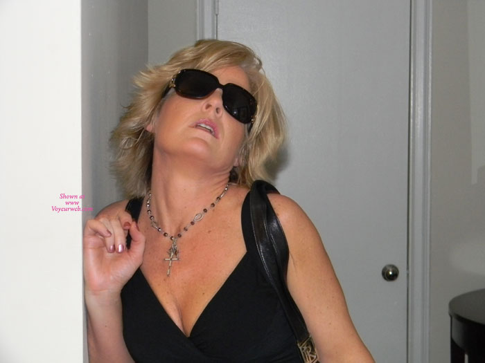 Pic #1 - Sexy Milf In NYC , Decided To Spend Some Time In NYC And Have Some Fun.  Taylor Went Out On The Town And Did Not Disappoint As Usual....