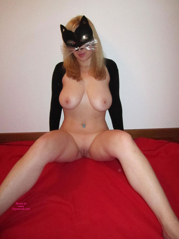 Pic #1 - Catwoman Return... , Catwoman Again....