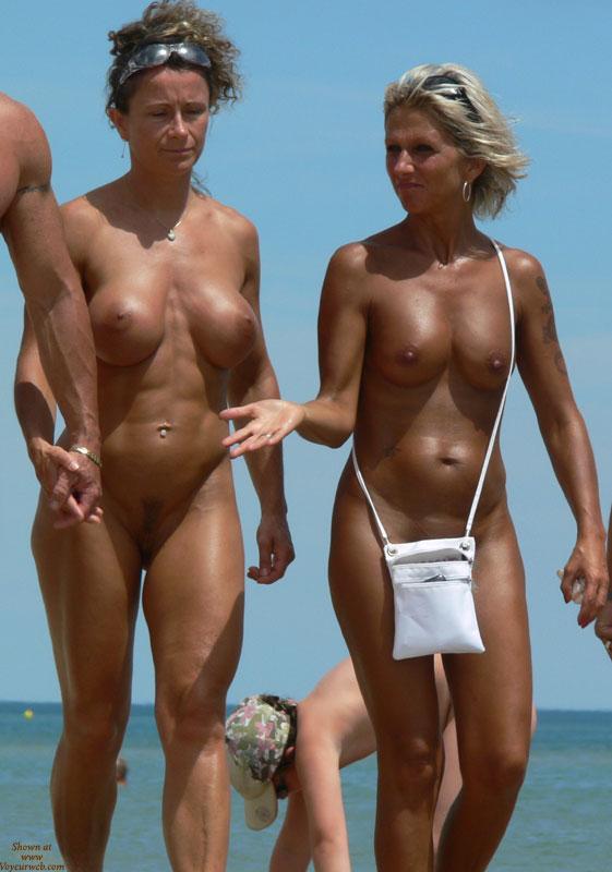 Summer Girls , Enjoy Summer!!