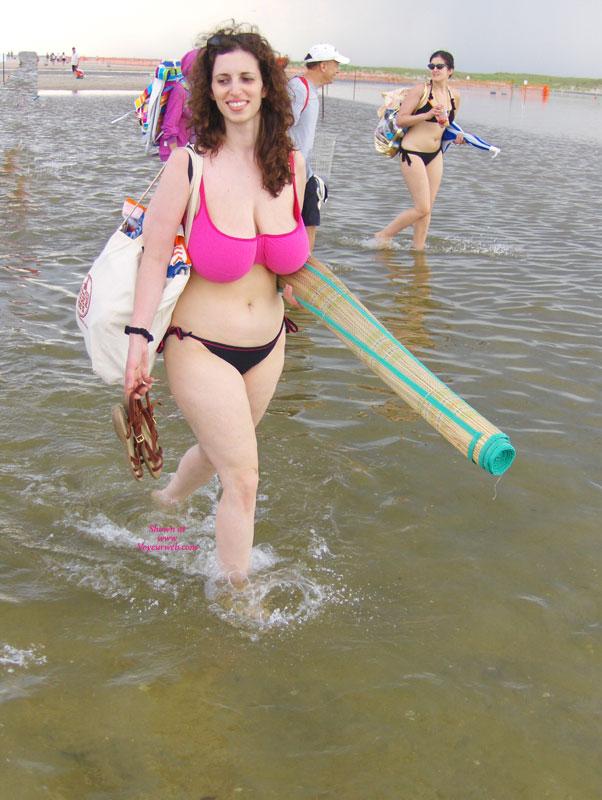 Pic #1 - Big Boobs , Big Bikini Boobs.