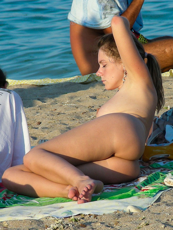 Nude Beach Girl - Brunette Hair, Exhibitionist, Nude Beach, Topless, Beach Voyeur, Naked Girl, Sexy Ass , Nude Beauty, Topless Exhibitionist, Totally Nude, Ass On The Side, Sunning Her Armpit, Sexy Ass On The Beach, Beach Nude, Candid Nude Chick On The Beach, Cute Ass