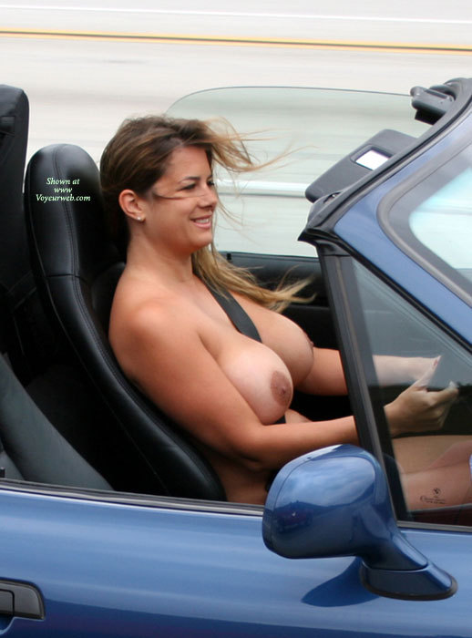 nikki-cars-naked
