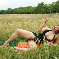 Minji Kinky At Public Garden
